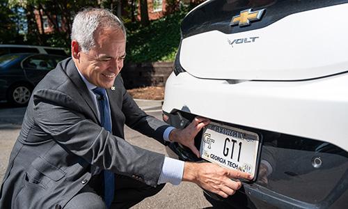 Photo for news article Cabrera Begins Tenure as Georgia Tech President
